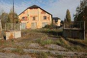 Prostory bývalých kasáren pod Radobýlem na snímcích z roku 2014.