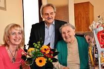 Starosta Ladislav Chlupáč společně s vedoucí odboru sociálních věcí a zdravotnictví Renátou Jurkovou byli přát druhé nejstarší obyvatelce města, paní Miladě Nečesané k jejím 103. narozeninám.