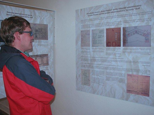 Unikátní výstava stavebních plánů a dokumentace židovské samosprávy vterezínském ghettu, otevřená ve foyeru kina Muzea ghetta, přináší řadu nových historických  pohledů.