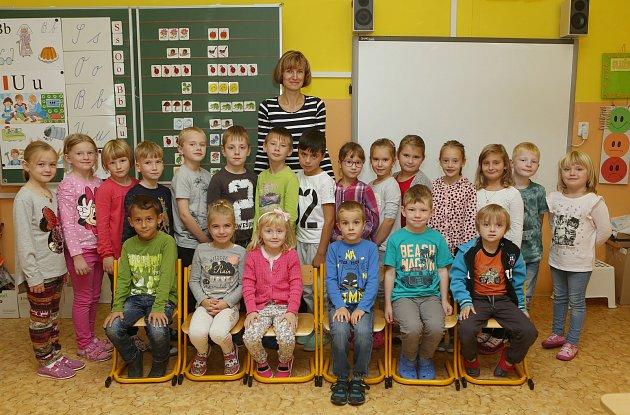 základní škola,Školní, první třída, foto do novin, 1A