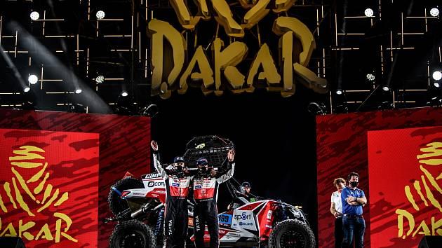 Jezdci Buggyry před startem Dakaru.