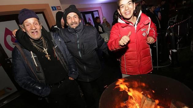 Noc venku společně s lidmi bez domova si mohli zájemci vyzkoušet při celostátní akci i v Litoměřicích