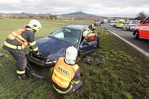 Dopravní nehoda na nebezpečné křižovatce u Ploskovic, pondělí 29 ledna 2018.