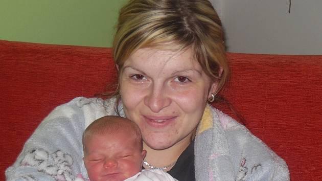 Lucii a Radku Krajčovičovým z Encovan se 14. ledna v 10.22 hodin narodila v Litoměřicích dcera Elena Krajčovičová. Měřila 50 cm a vážila 3,32 kg.