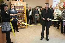 V hospici byl slavnostně otevřen obchod.