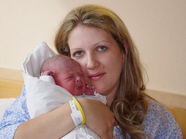 Haně a Štěpánovi Sojčíkovým z Třebívlic se 24. dubna ve 12.40 hodin narodil v Ústí n.L syn Štěpán Sojčík (50 cm, 3,4 kg).