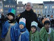 Tříkrálovým koledníkům požehnal biskup Jan Baxant.