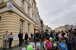 Lidé v Litoměřicích si připomněli Sametovou revoluci a zúčastnili se slavnostního odhalení objektu trikolóry
