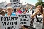 Protestní mítink před roudnickou radnicí