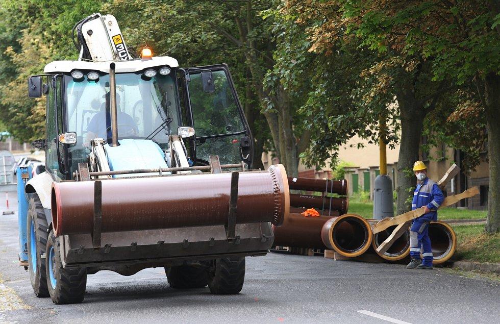 Rekonstrukce kanalizace a vodovodu v roudnické ulici Švermova