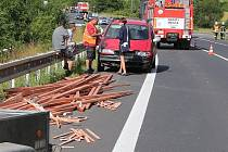 Dopravní nehoda na silnici 1/15 u Třebenic