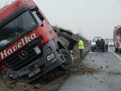 Tragická dopravní nehoda na dálnici D 8 z Lovosic do Prahy.