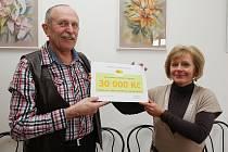 HOSPIC SVATÉHO ŠTĚPÁNA obdržel od Nadačního fondu na podporu rozvoje hospicového hnutí v ČR šek v hodnotě třiceti tisíc korun.