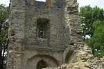 Poté co se v roce 2002 zřítila historická zvonice v Mukařově na Litoměřicku. Již další rok došlo ke statickému zajištění zbytku stavby.