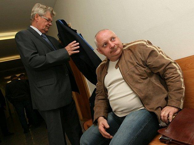 Jaroslav Papoušek u soudu
