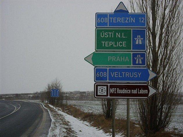 Novým značením navádějí turisty do Roudnice.