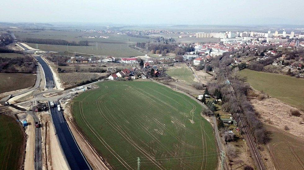 Stavba další části obchvatu Roudnice nad Labem omezí dopravu.