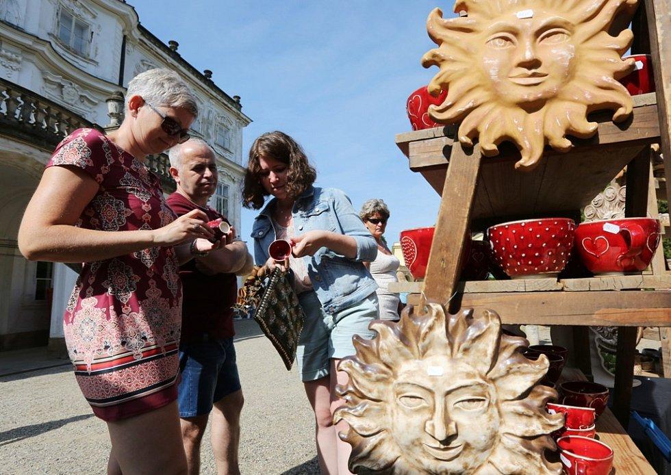 Keramické trhy na zámku v Ploskovicích