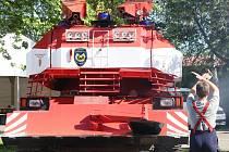 Největší svátek hasičů v Čechách začíná. Do Litoměřic postupně přijíždějí hasiči z celé republiky, ale i ze zahranič. S historickou technikou dorazili dobrovolní hasiči a profesionálové najíždějí na výstaviště s technikou nejmodernější.