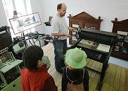 V sobotu otevřel své brány depozitář Národního muzea v Terezíně.