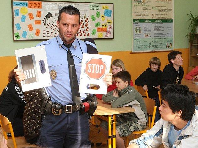 Preventivní akce v třebenické škole o cyklistice.