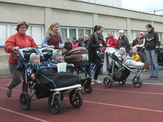 Závody s kočárky v Roudnici nad Labem