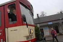 Takto mával strojvedoucí z vlaku při poslední jízdě ze Straškova. Bude čížkovická trať další, která bude zrušena?