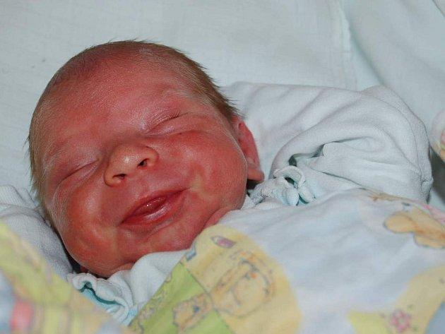 Mamince Miroslavě Fouskové z Lovosic se 23. února v 01.05 narodil syn Honzík Fousek (49 cm, 3,25 kg).  Blahopřejeme.