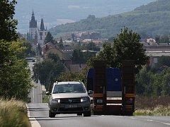 OPRAVA ULICE Českolipská začne již tento měsíc. Práce na silnici potrvají až do listopadu letošního roku. Provoz v ulici bude po dobu oprav řízen kyvadlově.