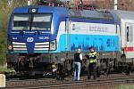 Vlak srazil a usmrtil člověka ve stanici Bohušovice nad Ohří