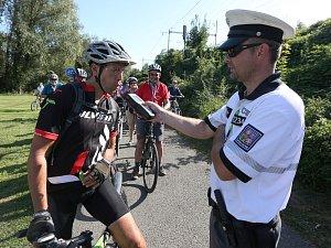 Policisté kontrolovali u cyklistů výbavu a požití alkoholu