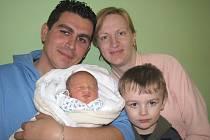 Ivetě Obereiterové a Lukášovi Šmajslovi z Litoměřic se v litoměřické porodnici 15. března ve 3.06 hodin narodil syn Václav Šmajsl. Měřil 49 cm a vážil 3,27 kg. Blahopřejeme!