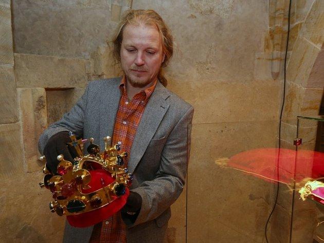 Do Litoměřic dorazila kopie Svatováclavské koruny