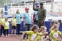 START. Ne každému se poštěstí, aby ho do závodu vyslal slavný sprinter Usain Bolt.