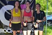 V LOŇSKÉM ročníku 9999 m byla v kategorii žen nejrychlejší Hájková (uprostřed), druhá skončila Vágnerová (vlevo) a třetí Zemanová.