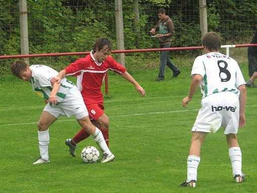 KONEČNĚ. Fotbalisté Sokola Brozany se v sobotu dočkali prvního vítězství, když zdolali rezervu Bohemians 1905.