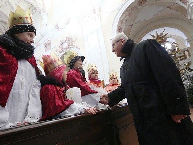 Tříkráloví koledníci dostali požehnání od biskupa Jana Baxanta.