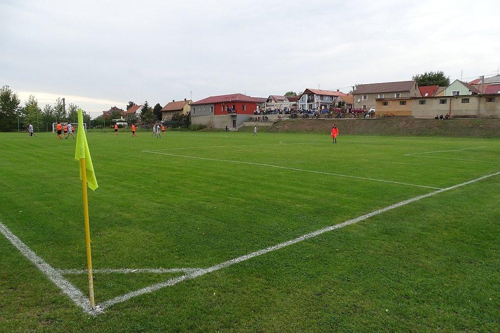 Fotbalové hřiště.