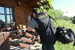 Policisté dopadli vykradače chat na Třebenicku