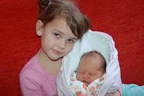 Kamile Stachové a Miroslavu Špačkovi z Litoměřic se v litoměřické porodnici 25. ledna v 15.33 hodin narodila dcera Kateřina. Měřila 52 cm a vážil 3,45 kg.  Na snímku se sestrou Kristýnou. Blahopřejeme!