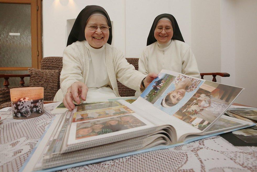 20 let obnovy řeholního života sester premonstrátek v Doksanech.