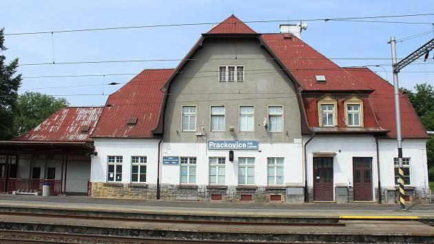 Vlakové nádraží se dočká opravy. Začít má v příštím roce.