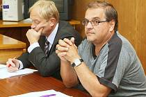 JAN HORNÍČEK (vpravo) je přesvědčený, že se ničeho, z čeho je obviněn, nedopustil. Pro získání dotace prý udělal maximum.