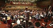 Charitativní koncert skupiny Tap Tap a sboru Puellae Cantantes pro litoměřický hospic