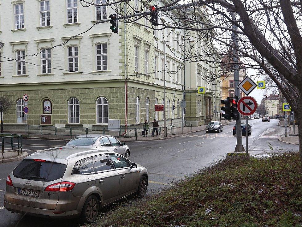 Opravy čeká i křižovatka ulic Na Valech a Sovova.