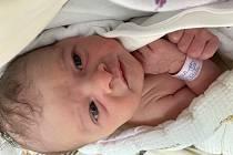 Adéle Zpěvákové a Tomáši Bláhovi se v pátek 6. srpna narodila ve 14:18 dcera Stella Bláhová. Měřila 50 cm a vážil 3,54 kg.