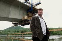 Výstavba Západního mostu přes Labe v Litoměřicích se včera (úterý) stala jedním z cílů ministra dopravy Aleše Řebíčka.