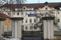 Psychiatrická léčebna v Horních Beřkovicích.