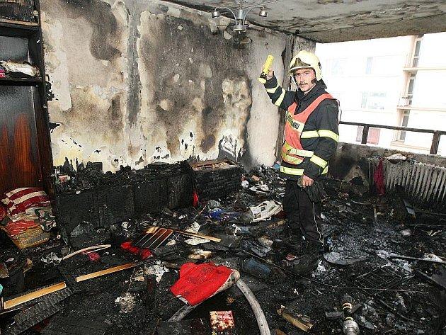 K výbuchu a následnému požáru vyjížděli hasiči do Čížkovic na Litoměřicku.