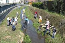 Úklid potoka, ilustrační foto.